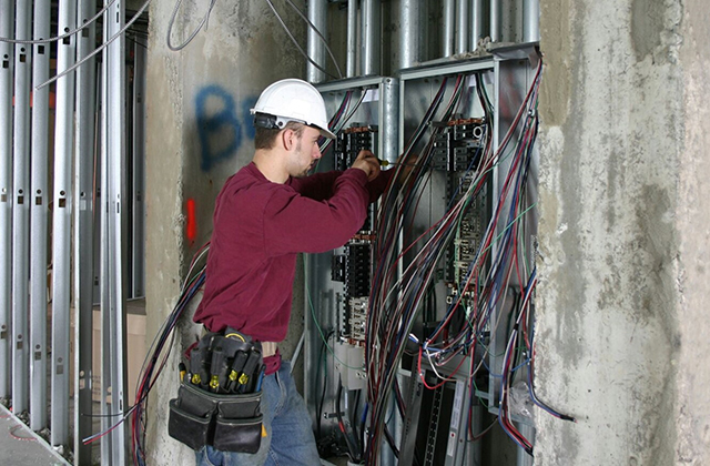 Ensuring Your Residence Well being by Employing A Experienced Electrician